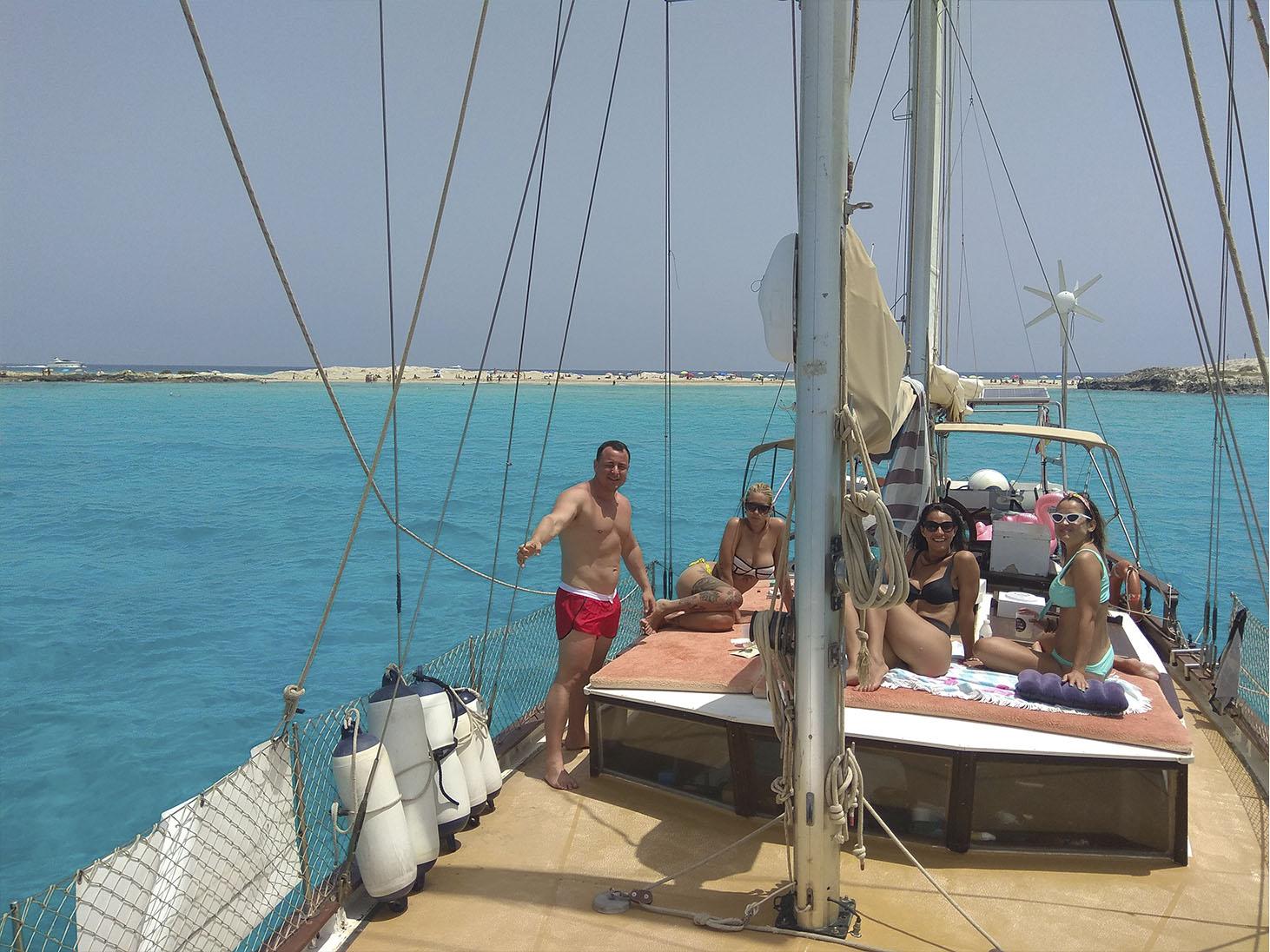alquiler de barco con patron en ibiza